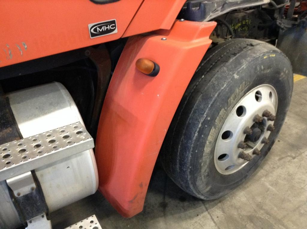 Used Fender for 2006 FREIGHTLINER COLUMBIA 120 250.00 for sale-57255611
