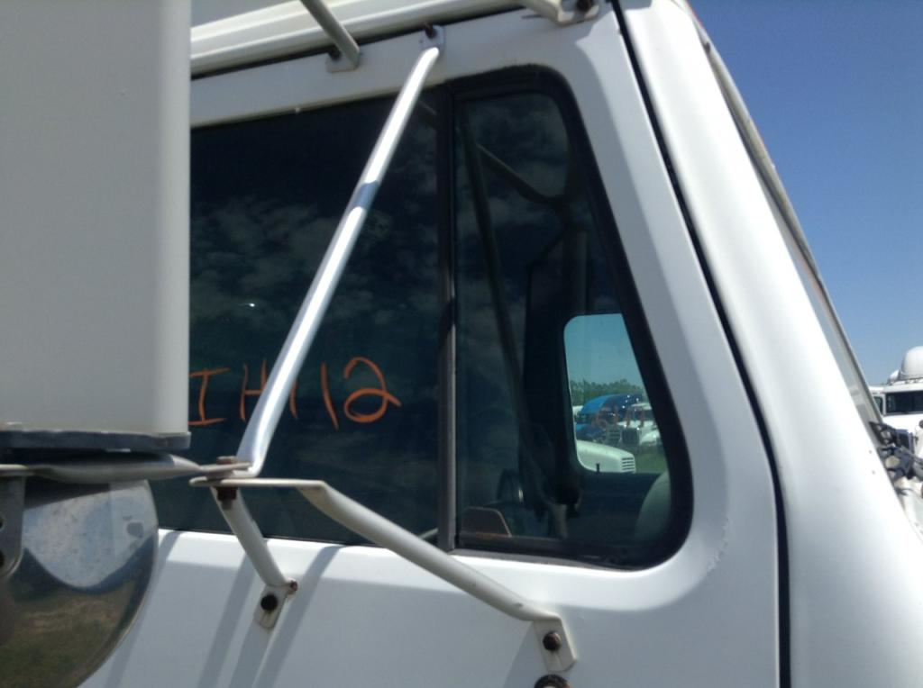 Used Door Vent Glass for 1989 INTERNATIONAL S1900 50.00 for sale-57188341