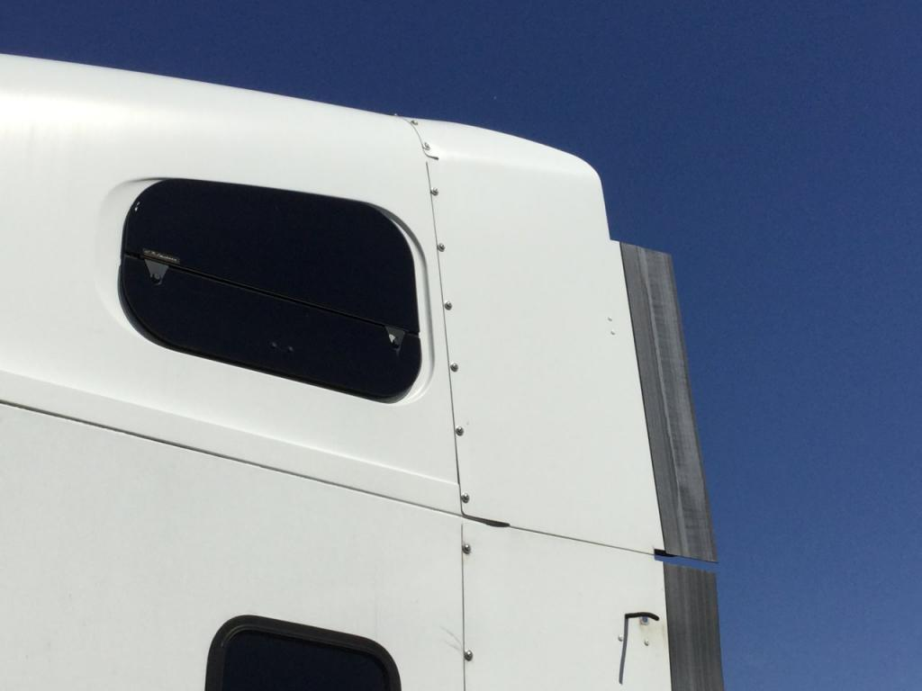Used Fairing for 2008 FREIGHTLINER COLUMBIA 120 100.00 for sale-57230511