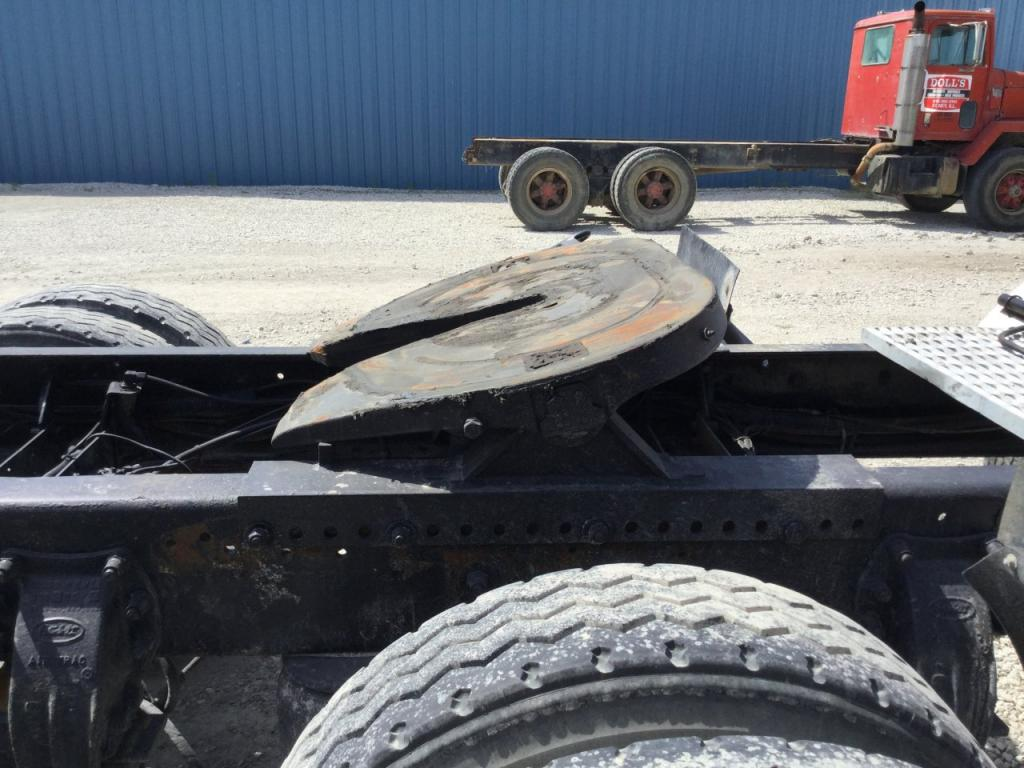 Used Fifth Wheel for 2000 PETERBILT 378 350.00 for sale-57270461