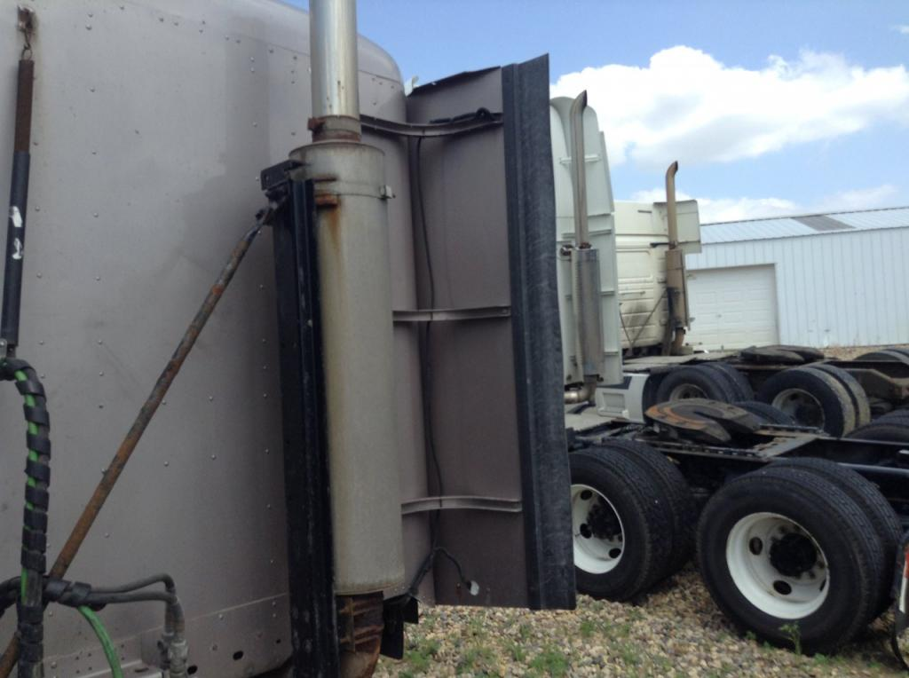 Used Fairing for 2005 FREIGHTLINER COLUMBIA 120 150.00 for sale-57225251