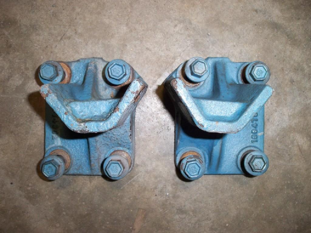 Used Engine Mounts for 2002 INTERNATIONAL 4900 100.00 for sale-57206261