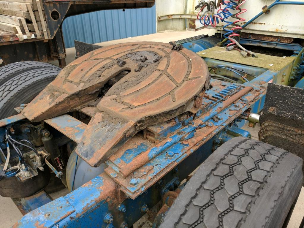 Used Fifth Wheel for 1990 VOLVO WG 450.00 for sale-57273191