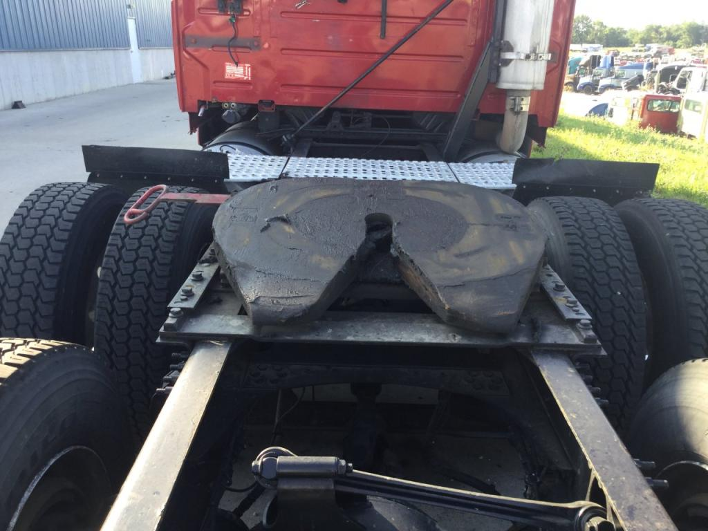 Used Fifth Wheel for 2006 VOLVO VNL 450.00 for sale-57270781