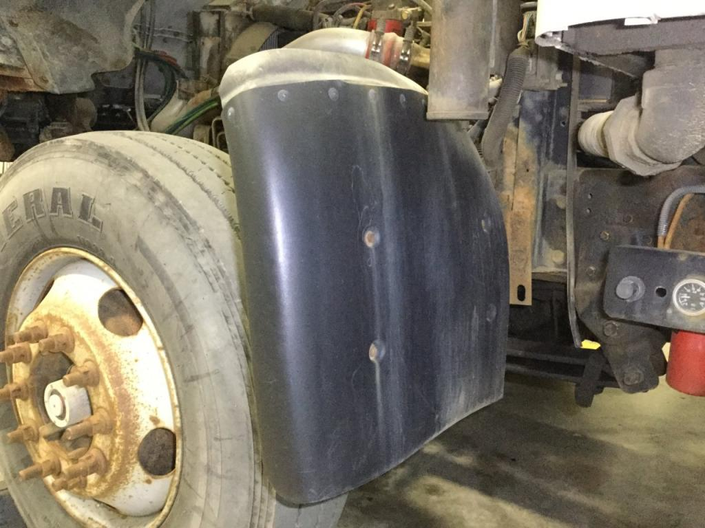 Used Fender for 1999 CHEVROLET T7500 100.00 for sale-57256721