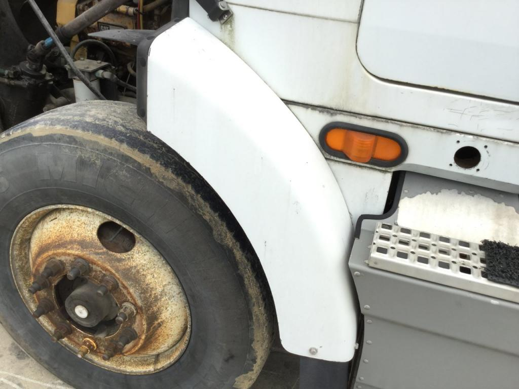 Used Fender for 1995 VOLVO WIA 125.00 for sale-57256841