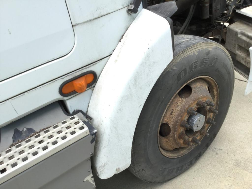 Used Fender for 1995 VOLVO WIA 100.00 for sale-57256851