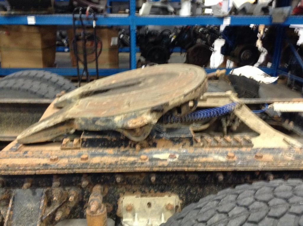 Used Fifth Wheel for 1999 MACK CH600 250.00 for sale-57270881