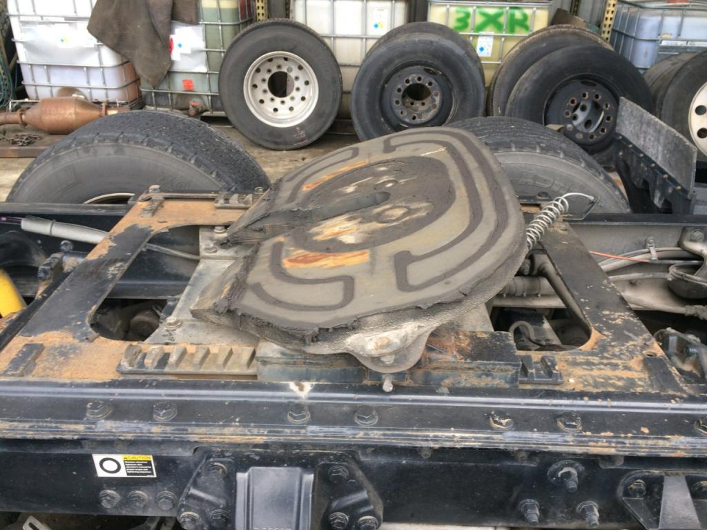 Used Fifth Wheel for 2011 KENWORTH T700 450.00 for sale-57270921