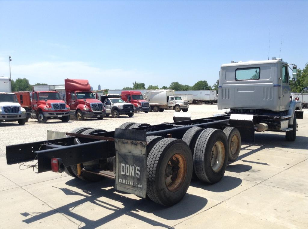 Heavy duty cab a 2001 VOLVO WG for sale-48533371