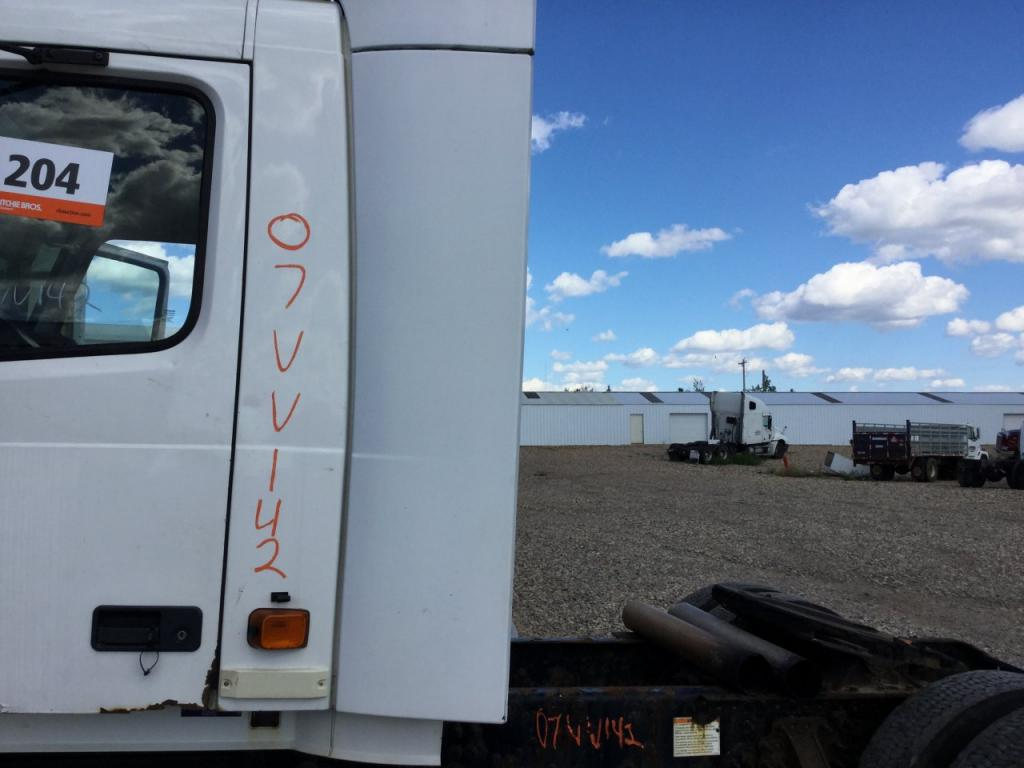 Used Fairing for 2007 VOLVO VNL 225.00 for sale-57225731