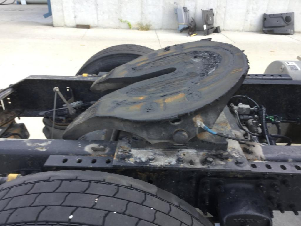 Used Fifth Wheel for 2002 VOLVO VNM 350.00 for sale-57265961