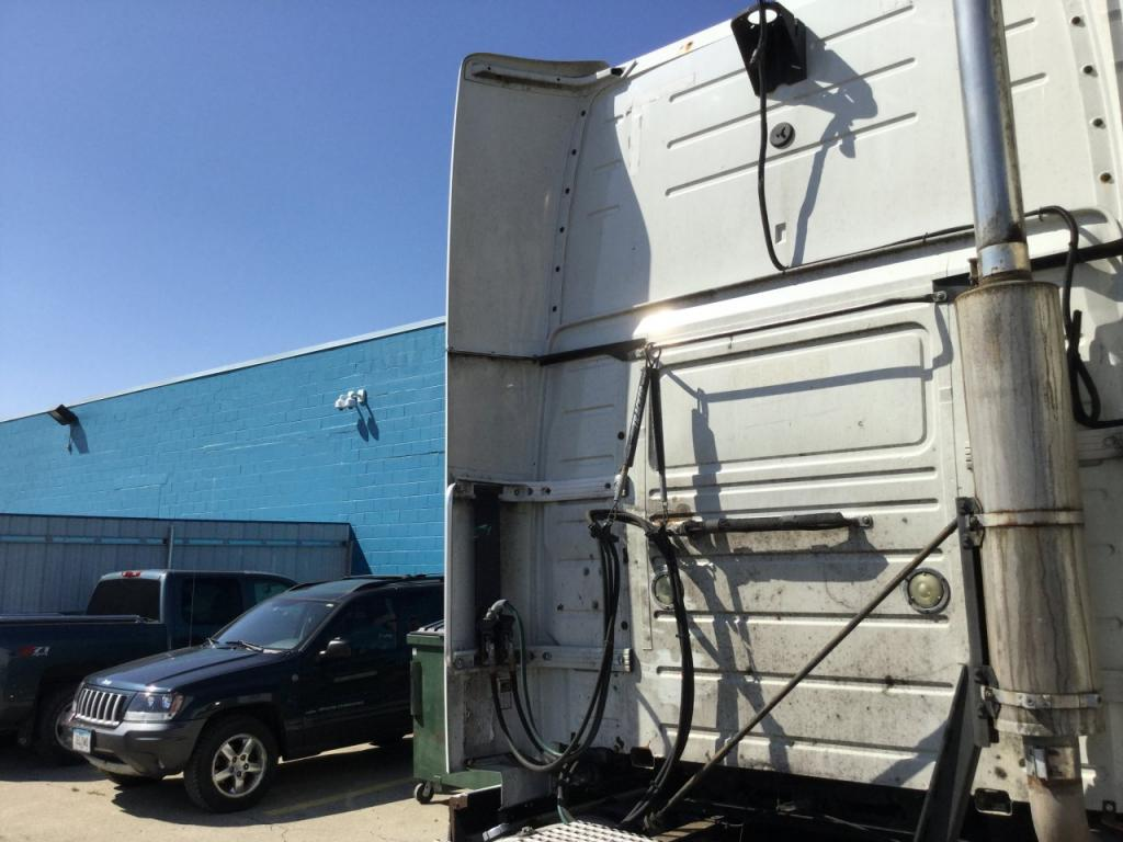 Used Fairing for 2005 VOLVO VNL 150.00 for sale-57231011