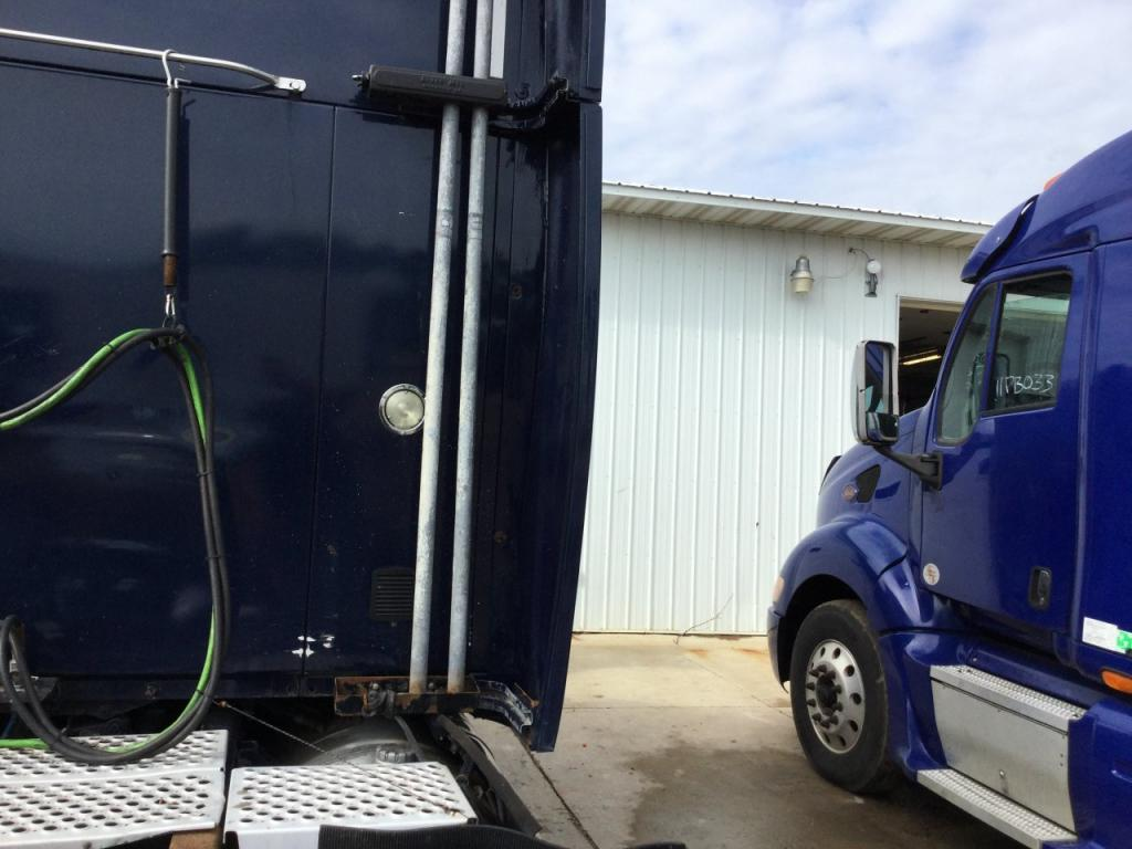 Used Fairing for 2006 KENWORTH T2000 250.00 for sale-57234751
