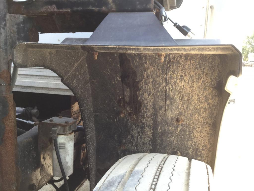 Used Fender for 1994 VOLVO TRUCK 125.00 for sale-57258851