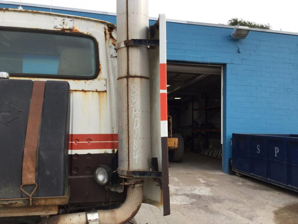Used Fairing for 1988 Ford LT9000 200.00 for sale-57226281