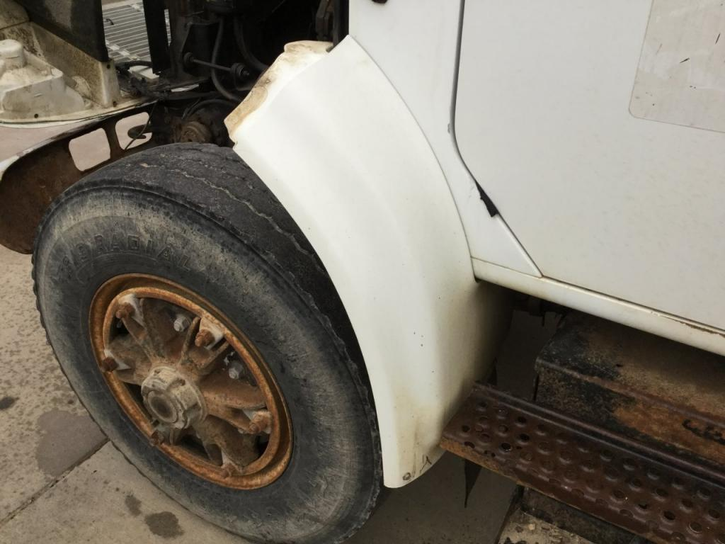 Used Fender for 1995 INTERNATIONAL 4900 125.00 for sale-57258921