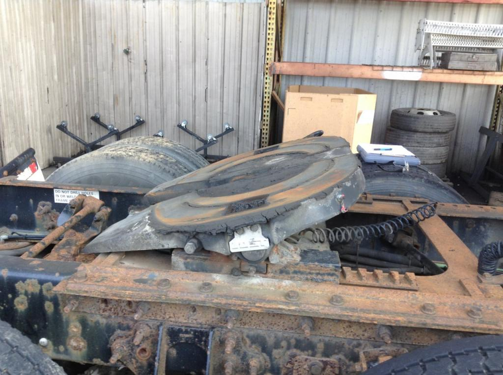Used Fifth Wheel for 2006 INTERNATIONAL 9400 450.00 for sale-57271751
