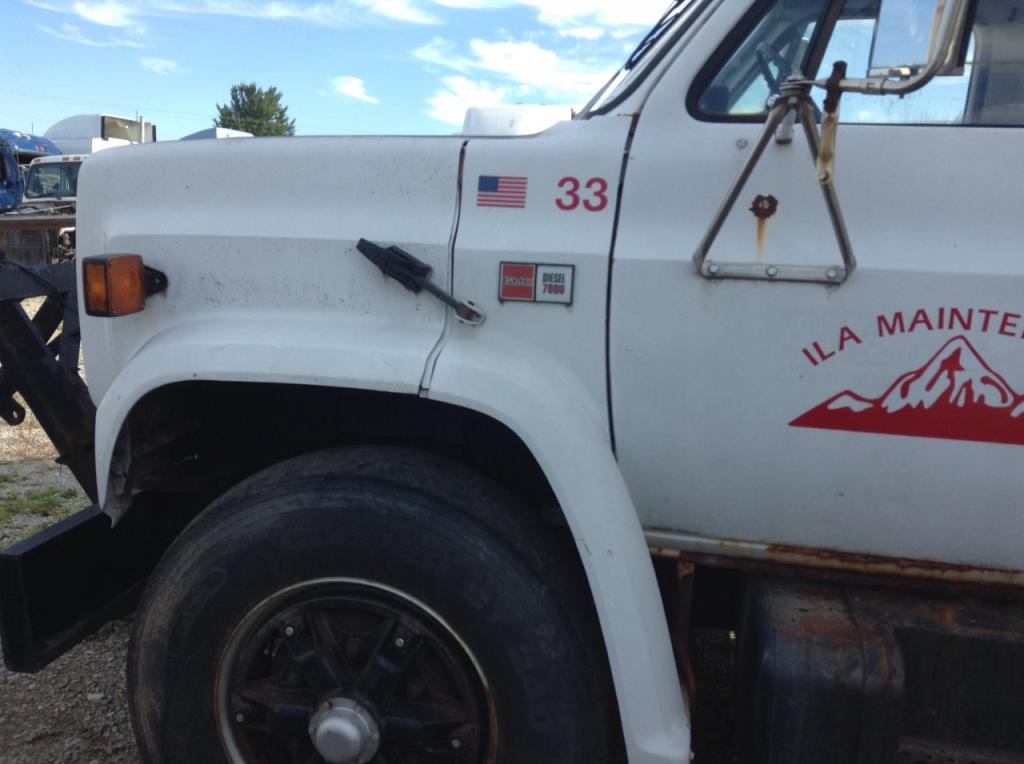 Used Fender for 1986 GMC 7000 200.00 for sale-57259071