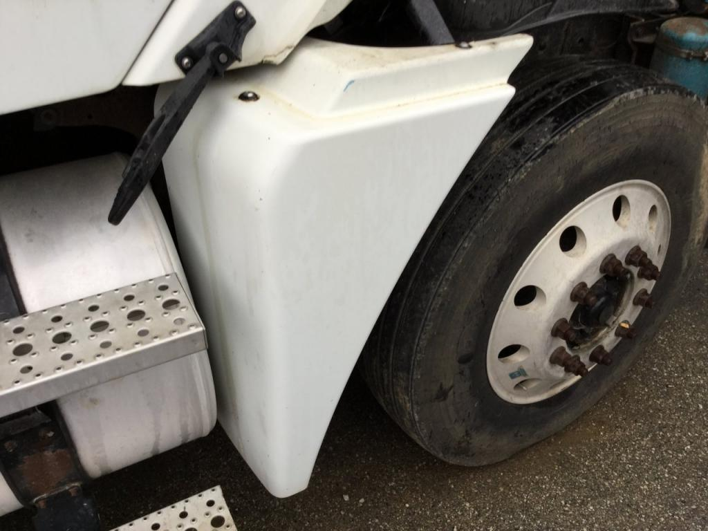Used Fender for 2006 FREIGHTLINER COLUMBIA 120 250.00 for sale-57259121