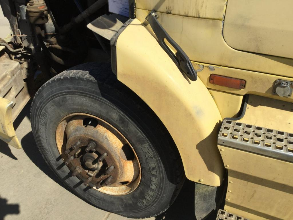 Used Fender for 1994 VOLVO WIA 125.00 for sale-57259251