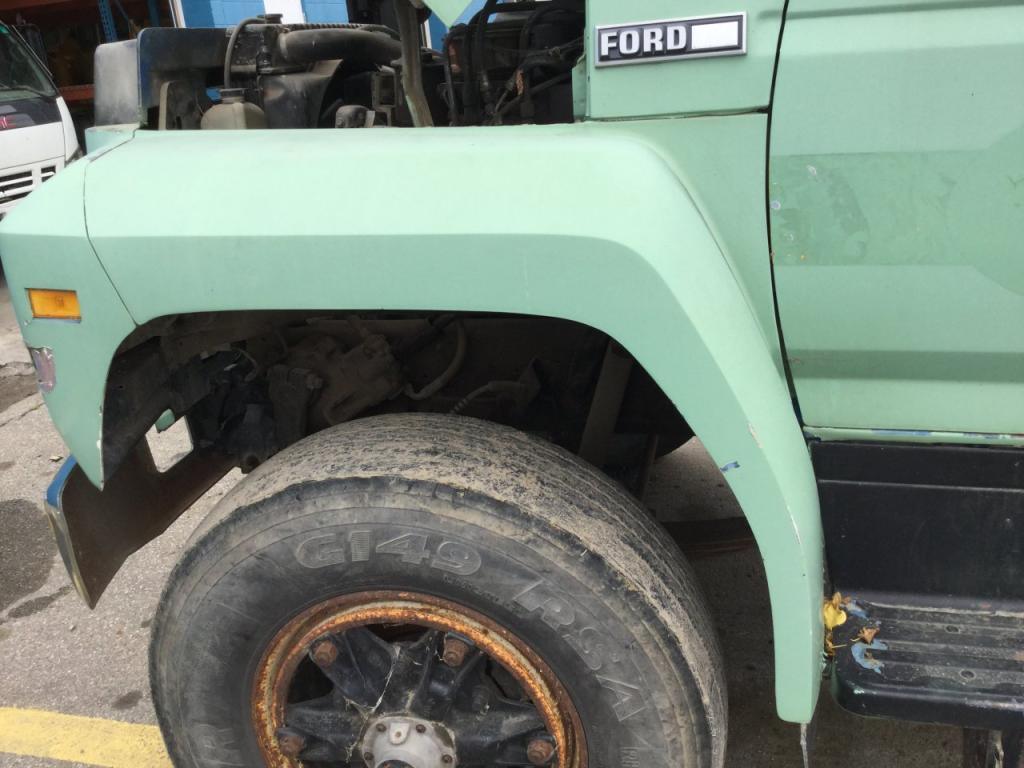 Used Fender for 1986 Ford F8000 200.00 for sale-57259421