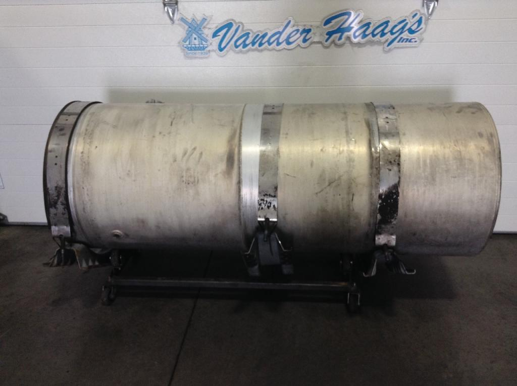 Used Fuel Tank for 2001 VOLVO VNM 650.00 for sale-57282841