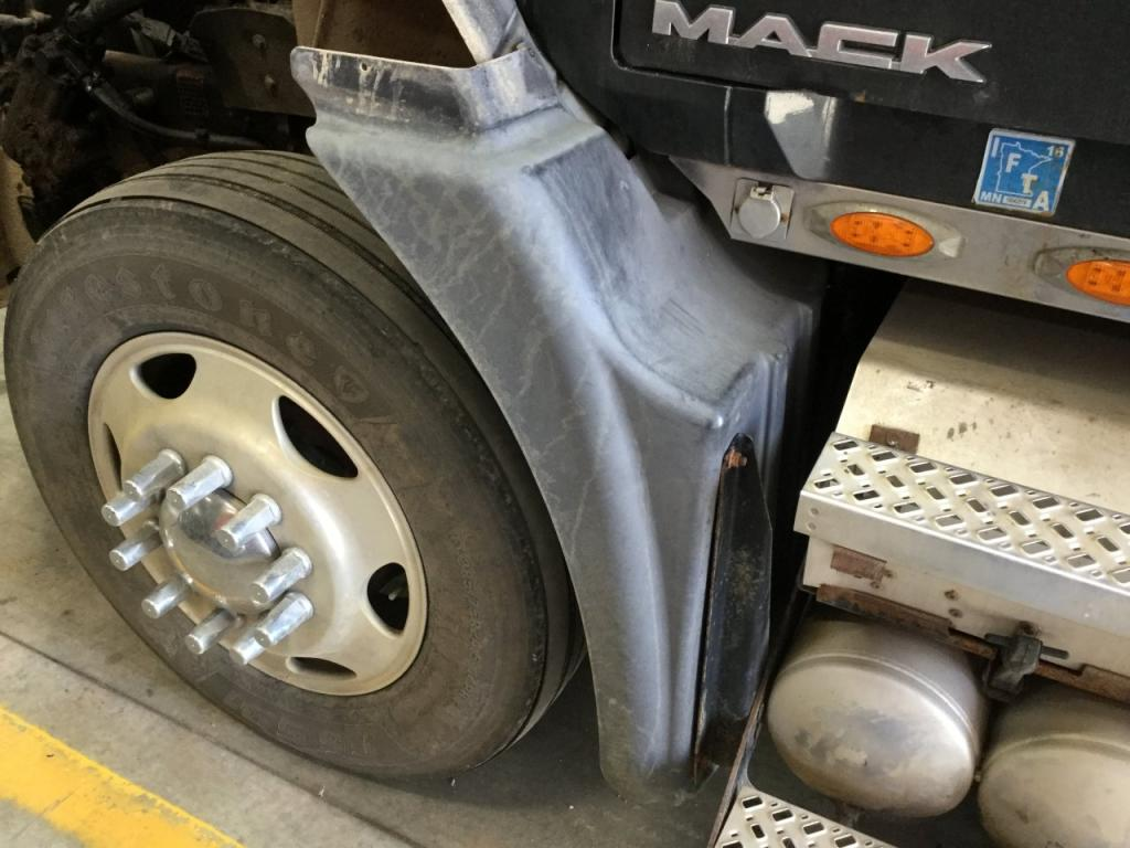 Used Fender for 2009 MACK CXU613 175.00 for sale-57260111