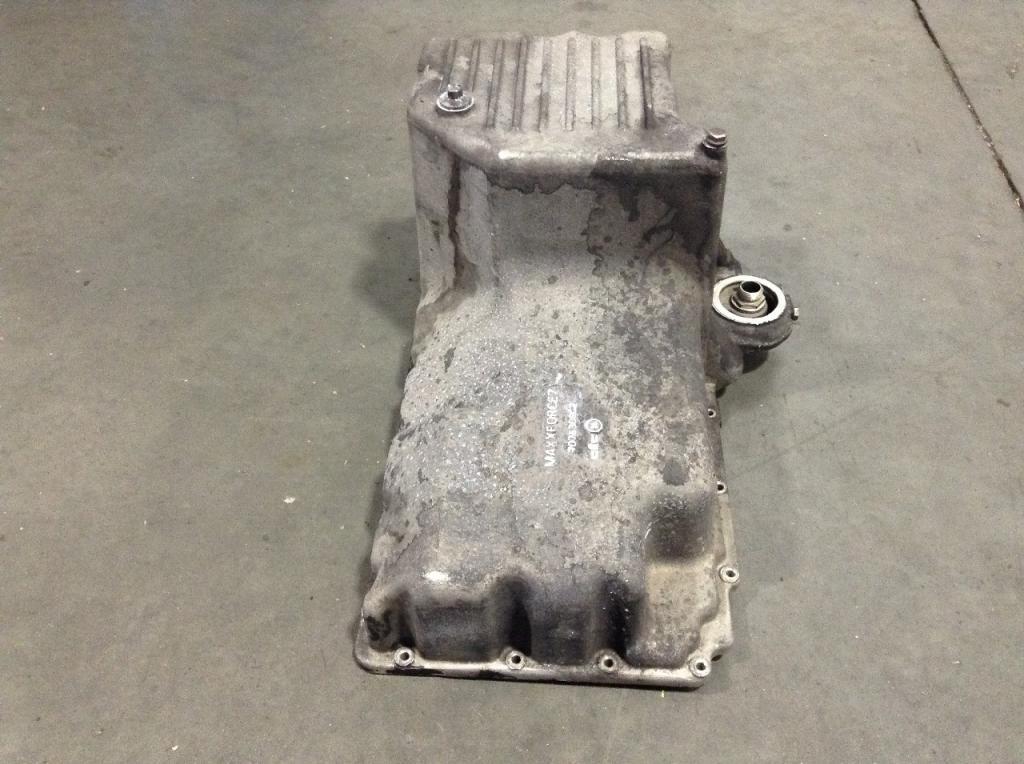 Used Engine Oil Pan for 2013 INTERNATIONAL DURASTAR (4300) 200.00 for sale-57209501