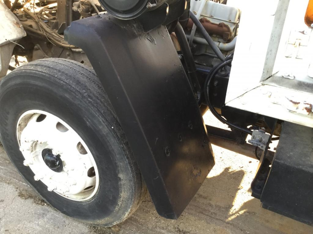 Used Fender for 1990 Ford CF7000 125.00 for sale-57260481