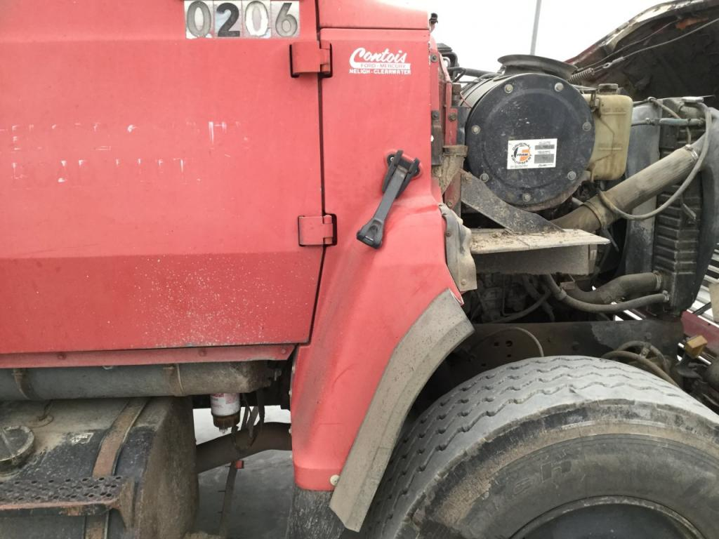 Used Fender for 1988 Ford LN8000 75.00 for sale-57260571