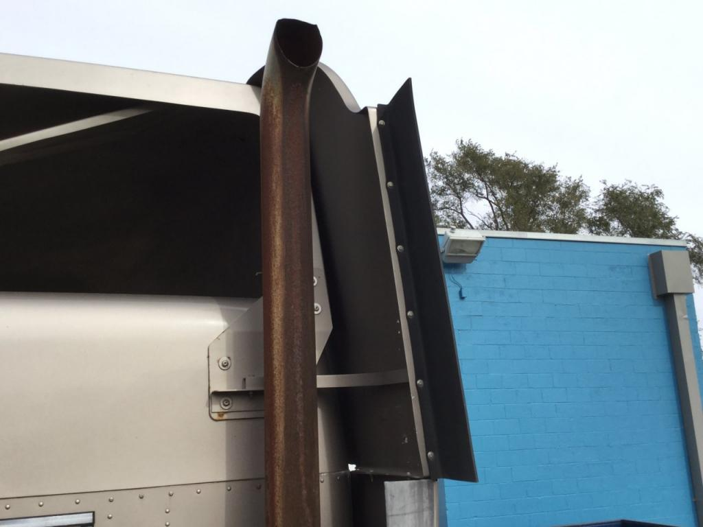 Used Fairing for 2003 FREIGHTLINER COLUMBIA 120 125.00 for sale-57231431