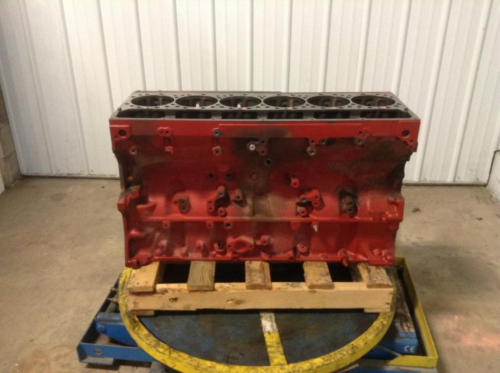 Used Engine Block for  KENWORTH T800 2000.00 for sale-57202731