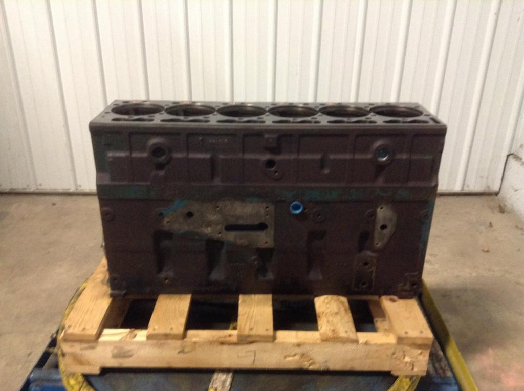 Used Engine Block for 2000 INTERNATIONAL 4700 1500.00 for sale-57202781