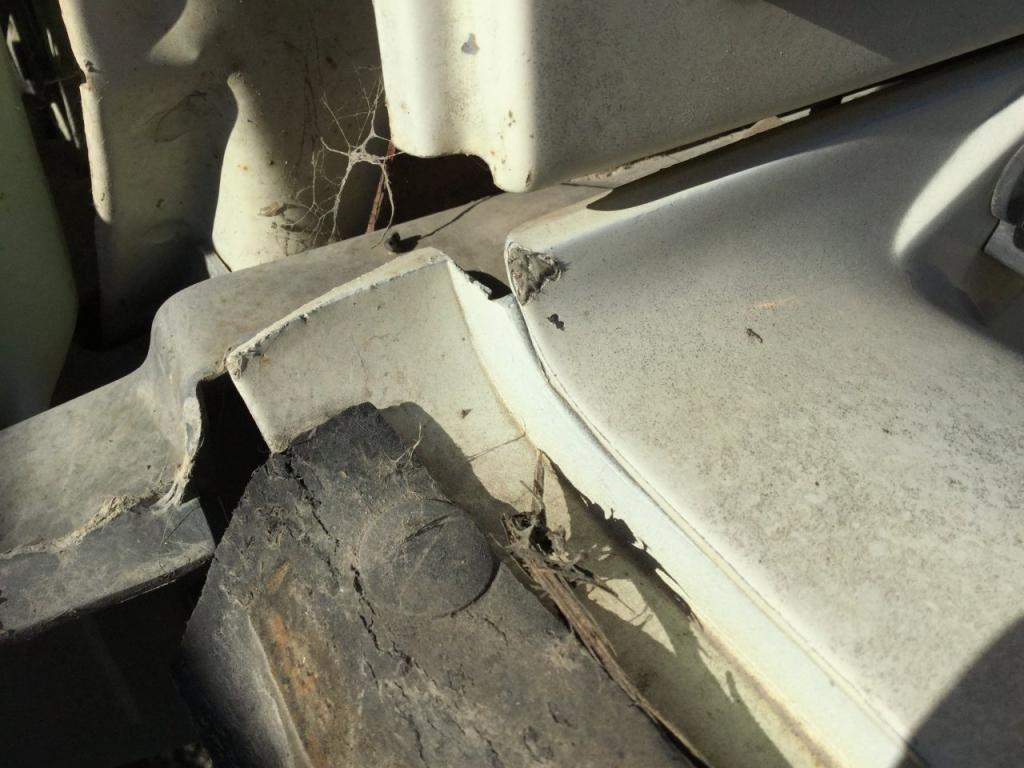 Used Fender for 1994 Ford F700 100.00 for sale-57261691