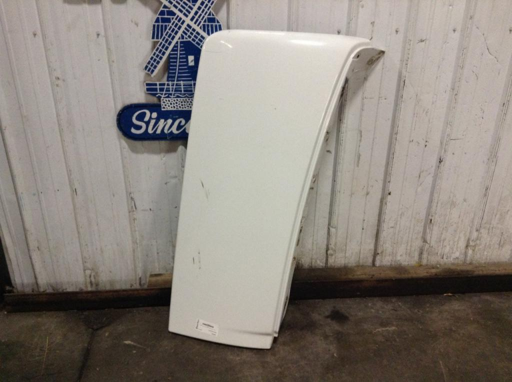 Used Fairing for 2006 VOLVO VNL 125.00 for sale-57230981