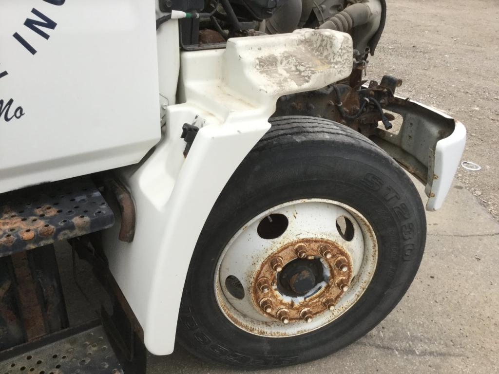 Used Fender for 2005 HINO 268 175.00 for sale-57262071