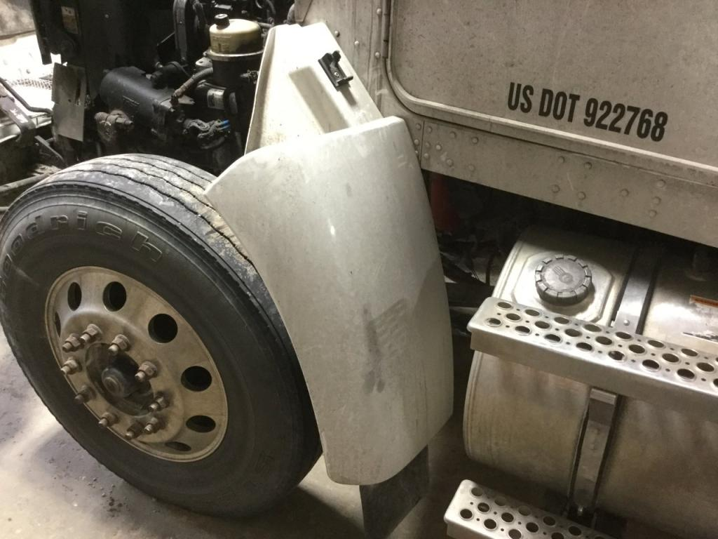 Used Fender for 2009 KENWORTH T370 250.00 for sale-57262381