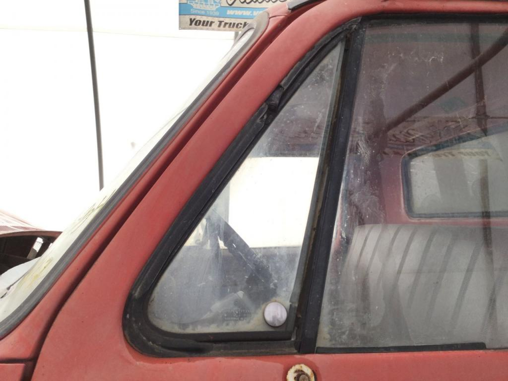 Used Door Vent Glass for 1973 CHEVROLET C60 75.00 for sale-57188801