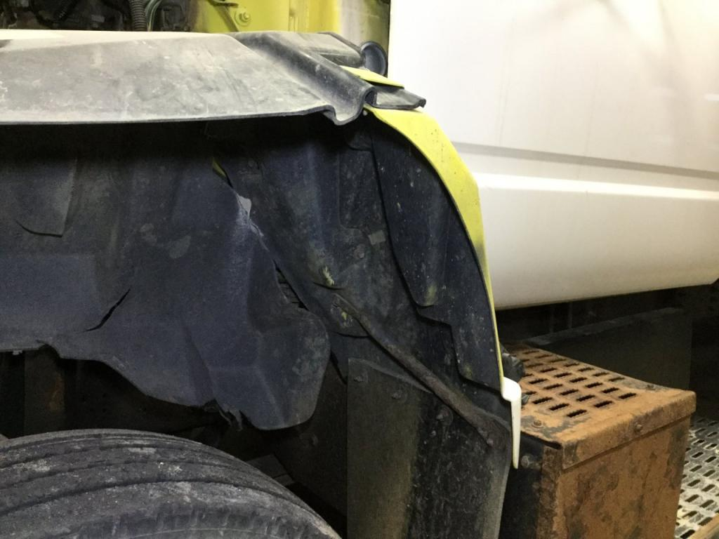 Used Fender for 1995 GMC TOPKICK 50.00 for sale-57262771