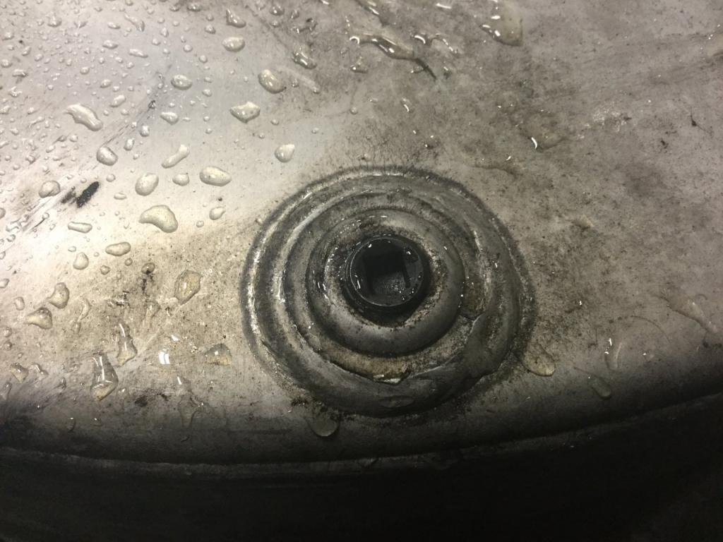 Used Fuel Tank for 2000 VOLVO VNM 750.00 for sale-57283351