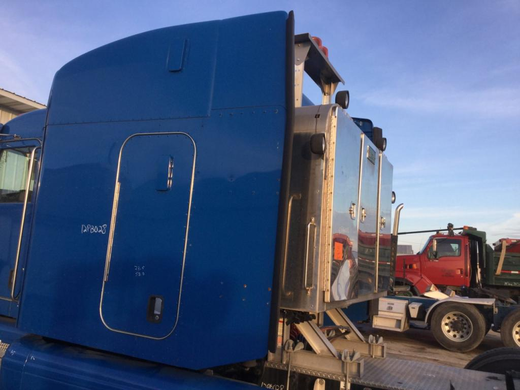 Used Fairing for 2012 PETERBILT 386 500.00 for sale-57235721