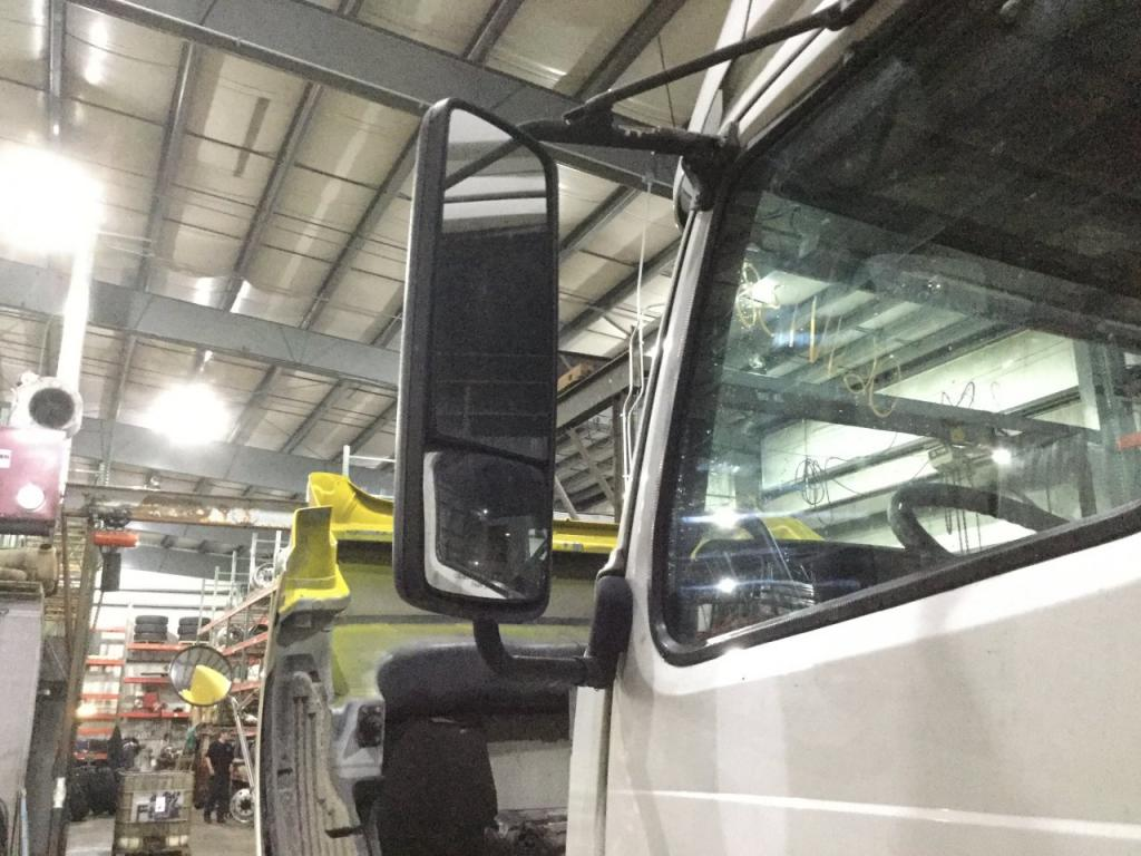 Used Door Mirror for 2006 VOLVO VNL 250.00 for sale-57186531