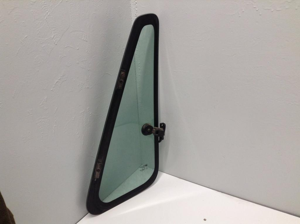Used Door Vent Glass for 2007 INTERNATIONAL 8600 150.00 for sale-57188901
