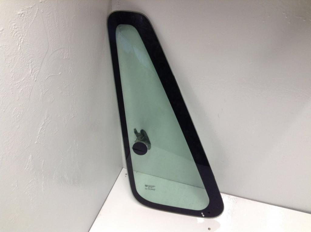 Used Door Vent Glass for 2003 INTERNATIONAL TRUCK 150.00 for sale-57187521