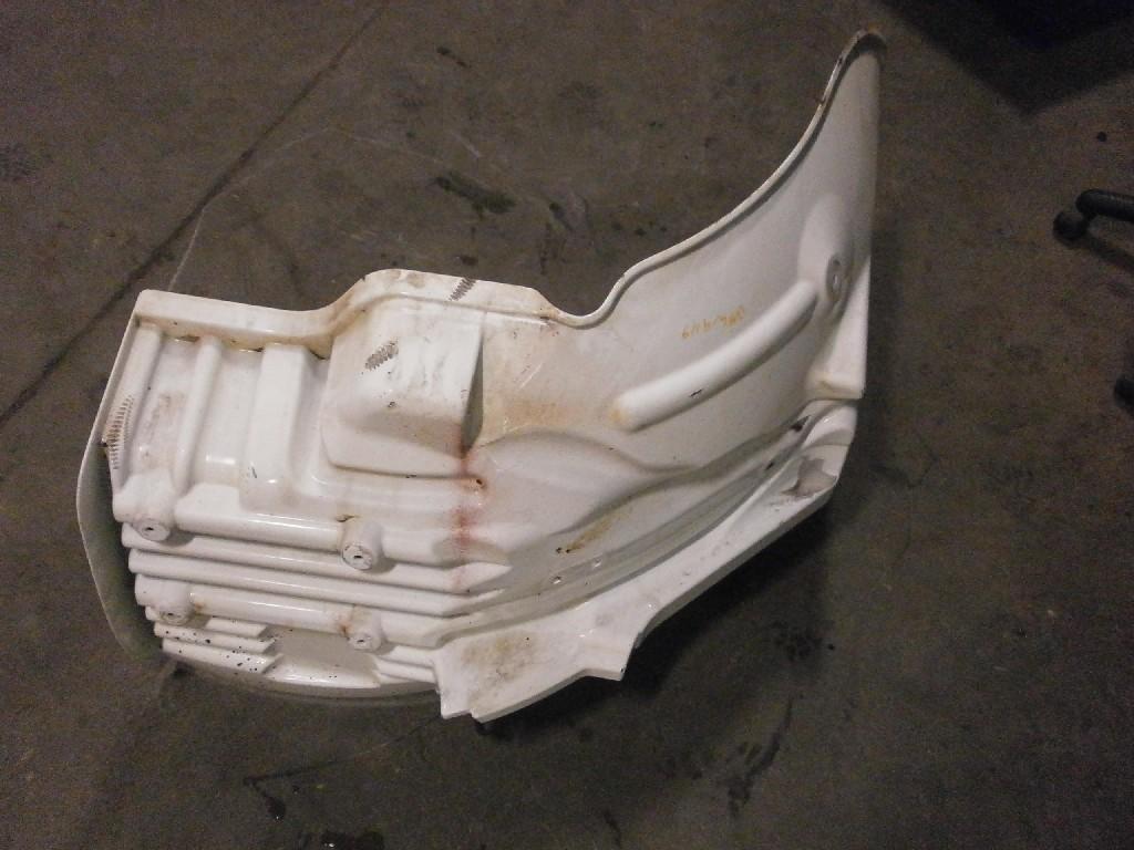 Used Fender for 2004 FREIGHTLINER M2 106 150.00 for sale-57243821