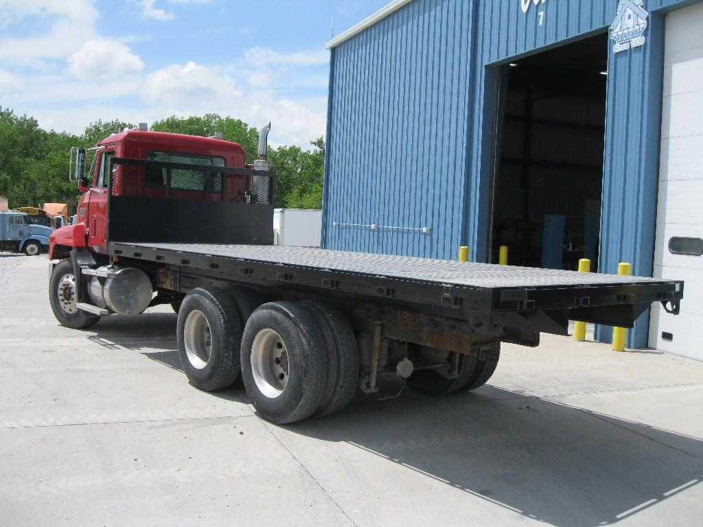 Flat bed 1999 MACK CH600 for sale-55819381