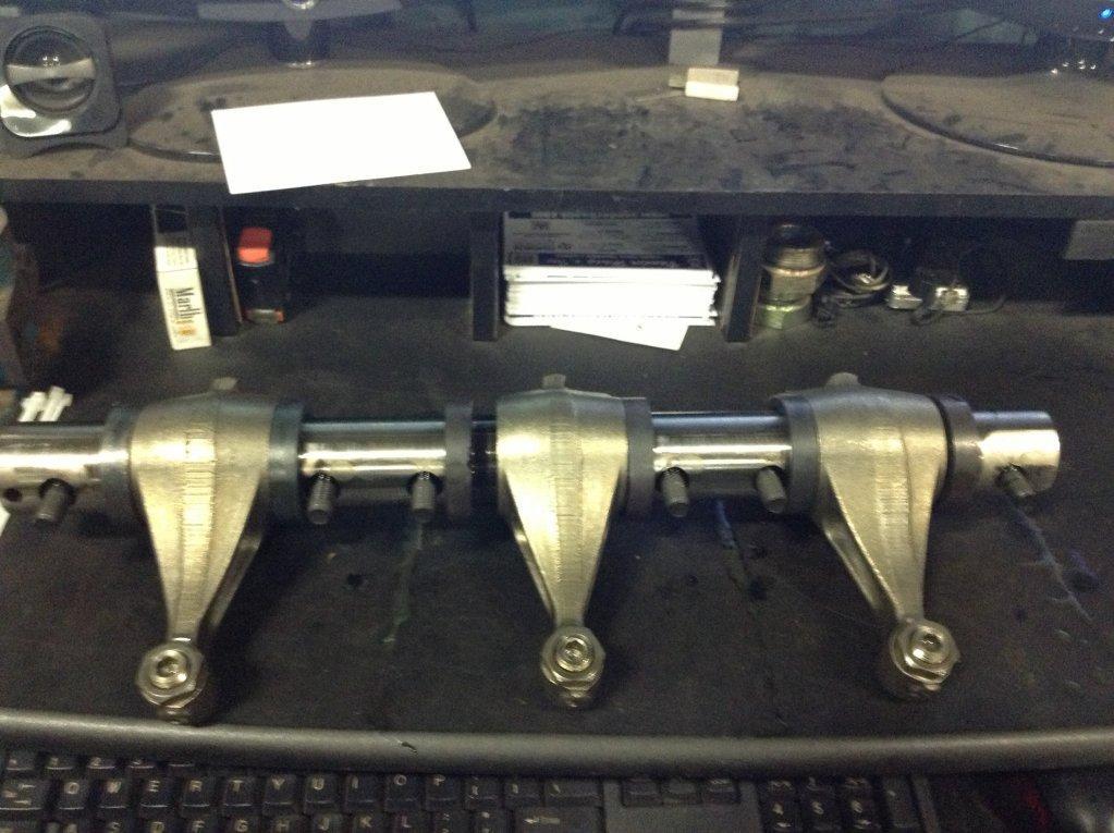 Used Engine Rocker Arm for 2005 INTERNATIONAL 9200 300.00 for sale-57212151