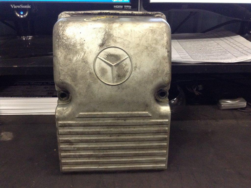 Used Engine Valve Cover for 2005 FREIGHTLINER COLUMBIA 112 25.00 for sale-57214861