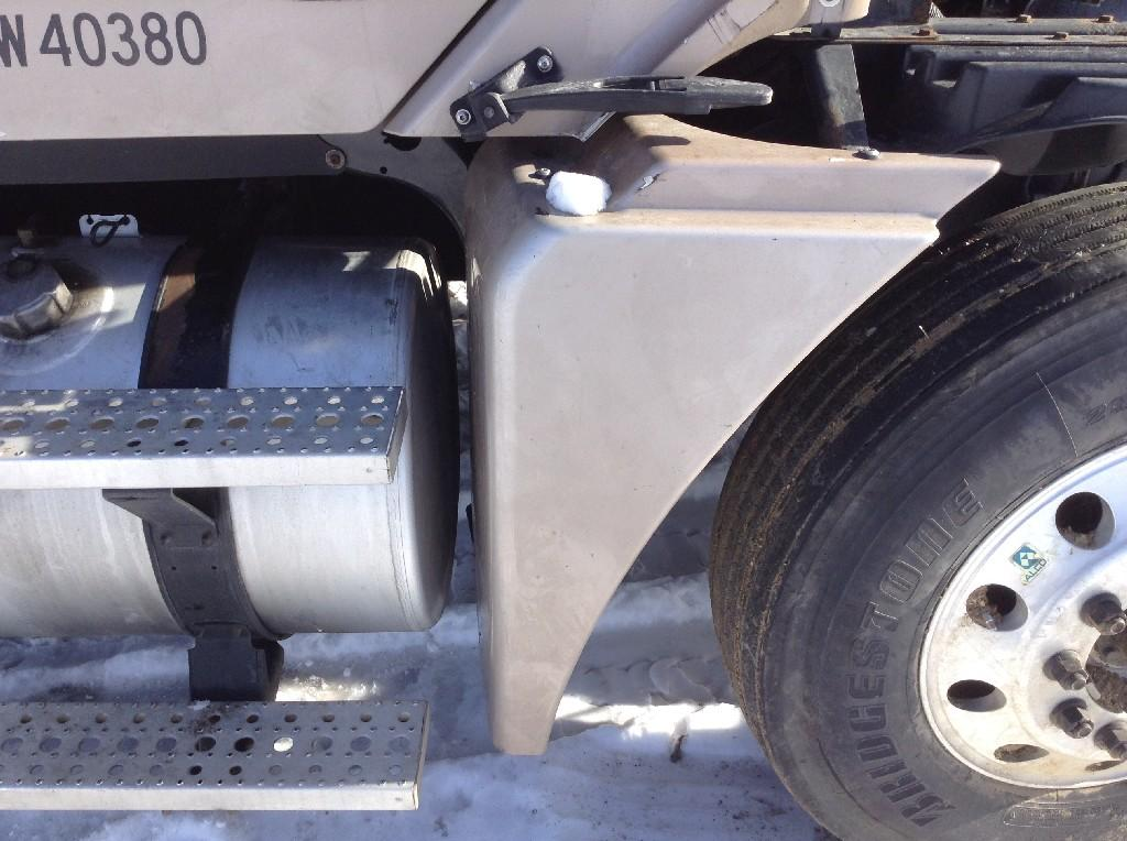 Used Fender for 2007 FREIGHTLINER COLUMBIA 120 250.00 for sale-57244181